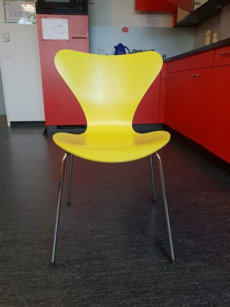 Besucherstuhl evtl. Replica Fritz Hansen Serie 7